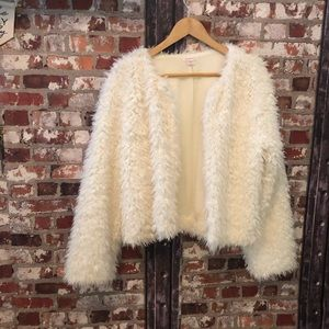 [Xhilaration] Off White Faux Fur Coat  XXL